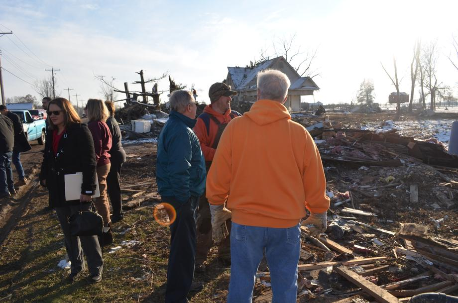 Durbin visits Taylorville after tornado