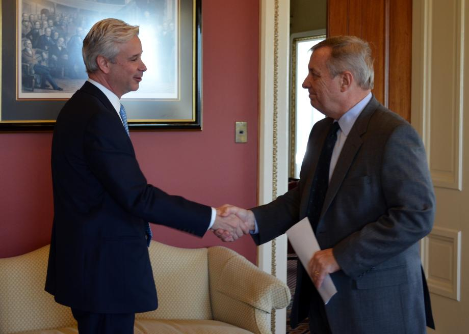 U.S. Senator Dick Durbin (D-IL) met with Charlie Scharf, CEO of VISA, to discuss payment card policies and consumer protections.