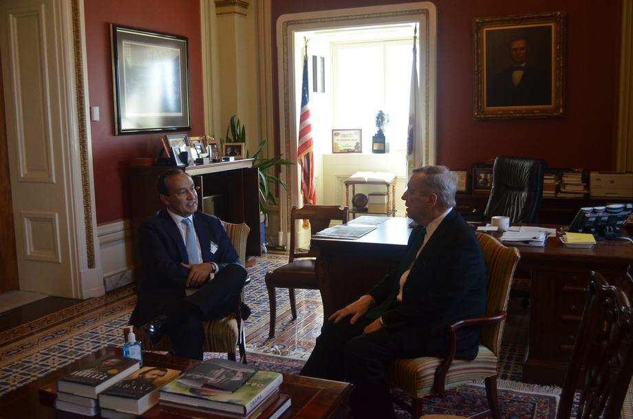 Durbin Meets With United CEO To Discuss Impact Of Coronavirus