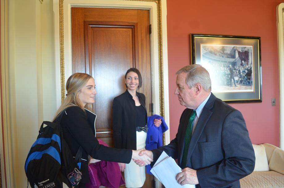 Durbin Meets With Open Textbook Pilot Grantees And Students