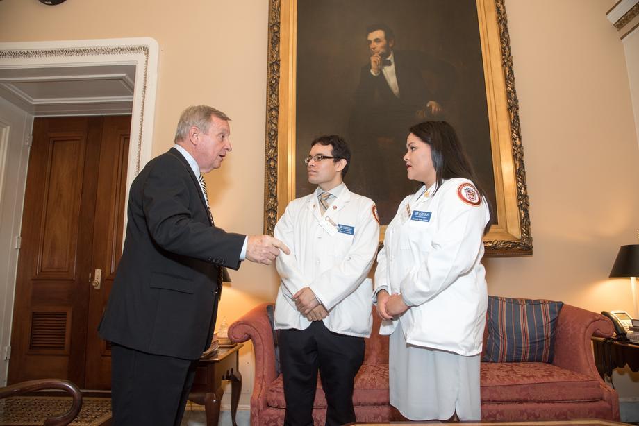 Durbin Hosts Illinois Members, Loyola Dreamer Med Students At Delegation Lunch