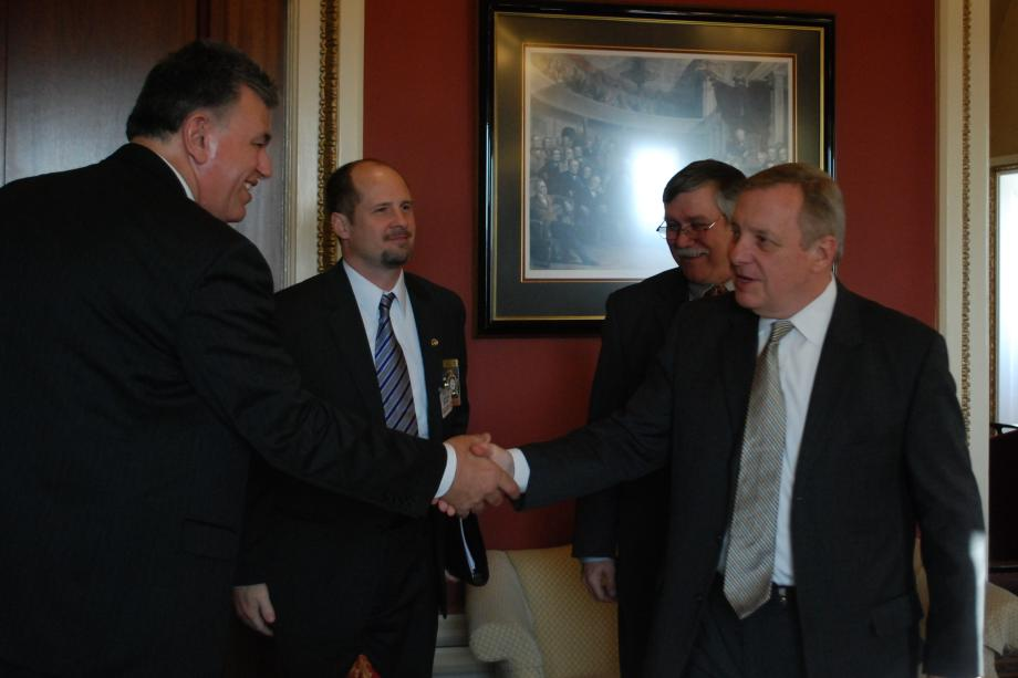 Durbin met with members of the Illinois Fraternal Order of Police to discuss law enforcement issues.