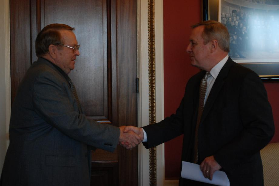 Durbin met with the Disabled American Veterans to discuss medical care for veterans.