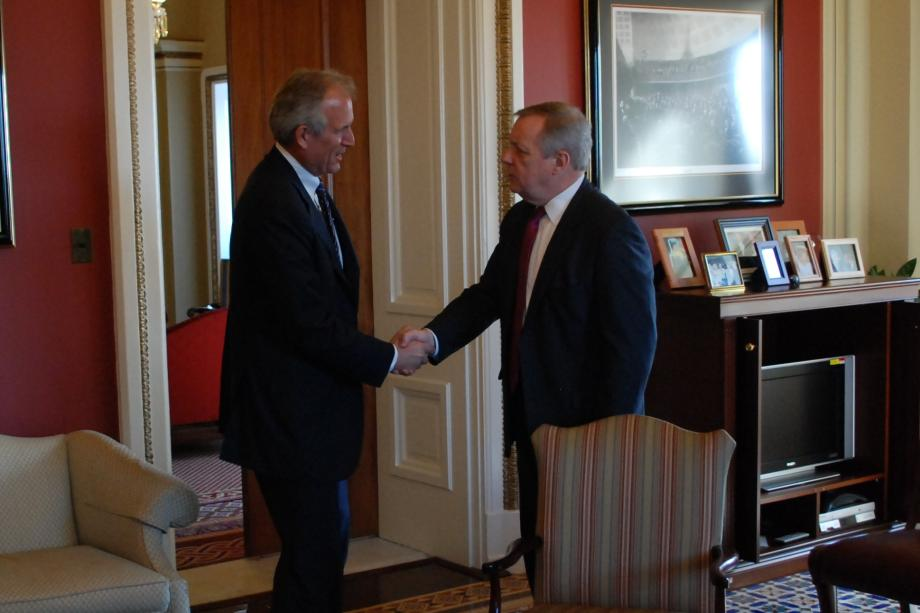 Durbin met with Jim McNerney, CEO of Boeing, to discuss federal transportation and manufacturing issues.
