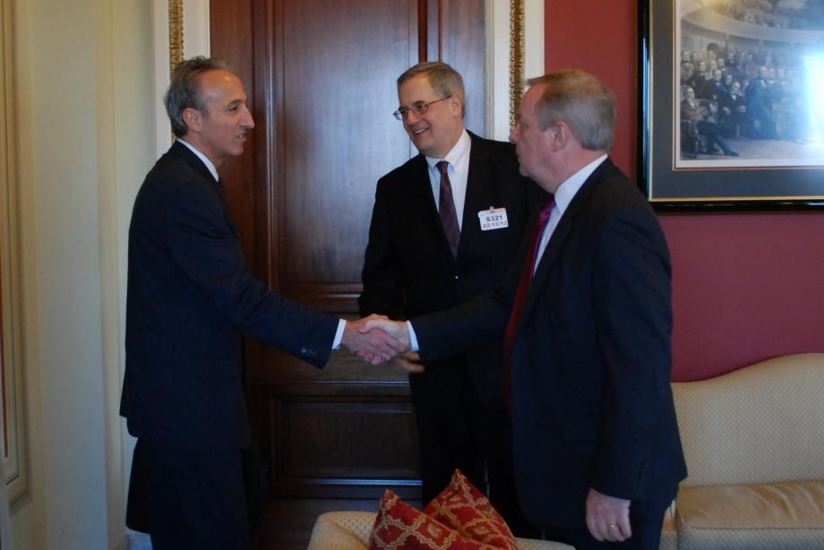 Durbin met with representatives of the Chicago Medical Society to discuss ways to improve care and reduce costs in Medicare.