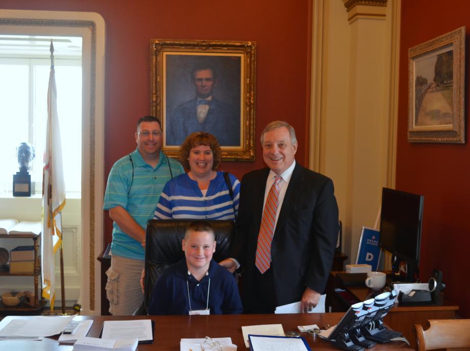 U.S. Senator Dick Durbin (D-IL) met with Jarrett Roberston today. Robertson, a fourth grader from Moweaqua, Illinois, won the Illinois Academy of Family Physicians Foundations