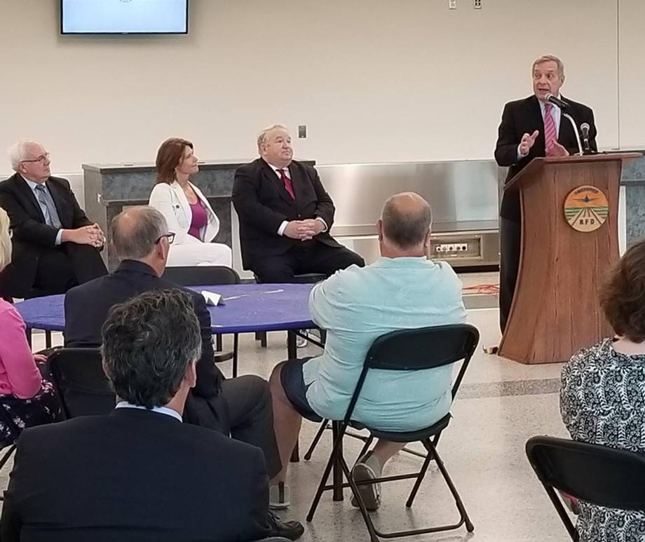 August 18, 2017 – Senator Durbin visited Chicago Rockford International Airport to discuss recent federal funding from the Federal Aviation Administration.