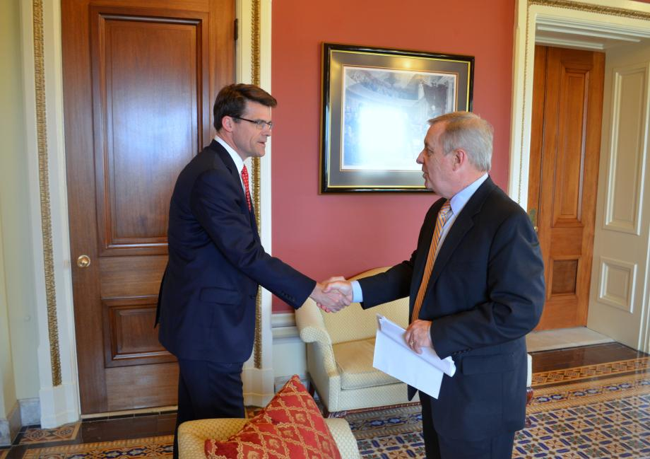 U.S. Senator Dick Durbin (D-IL) met with General Electric CEO Steve Bolze to discuss the company's Illinois operations and the Export-Import Bank.
