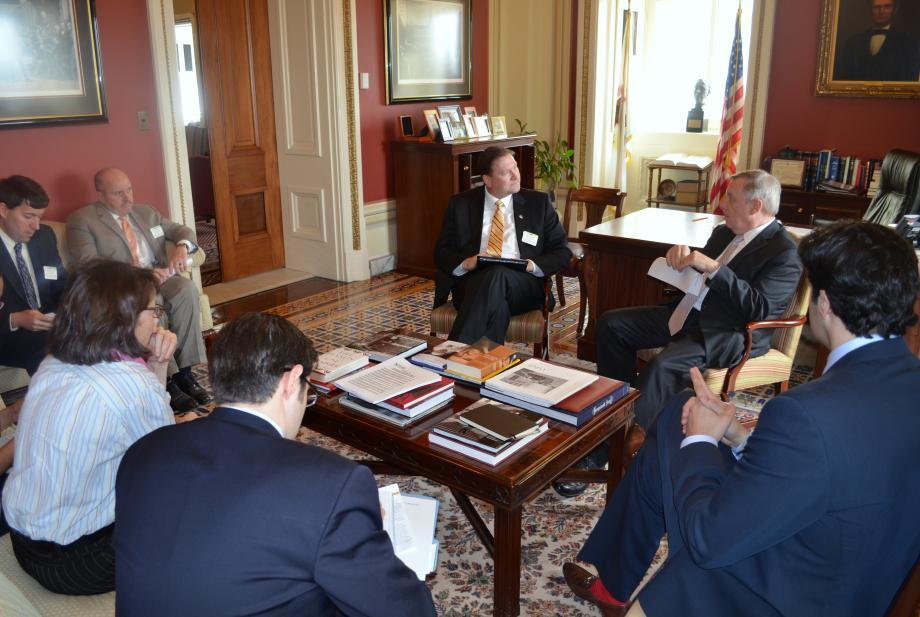 U.S. Senator Dick Durbin (D-IL) met with Metropolitan Water Reclamation District of Great Chicago to discuss 2014 priorities.