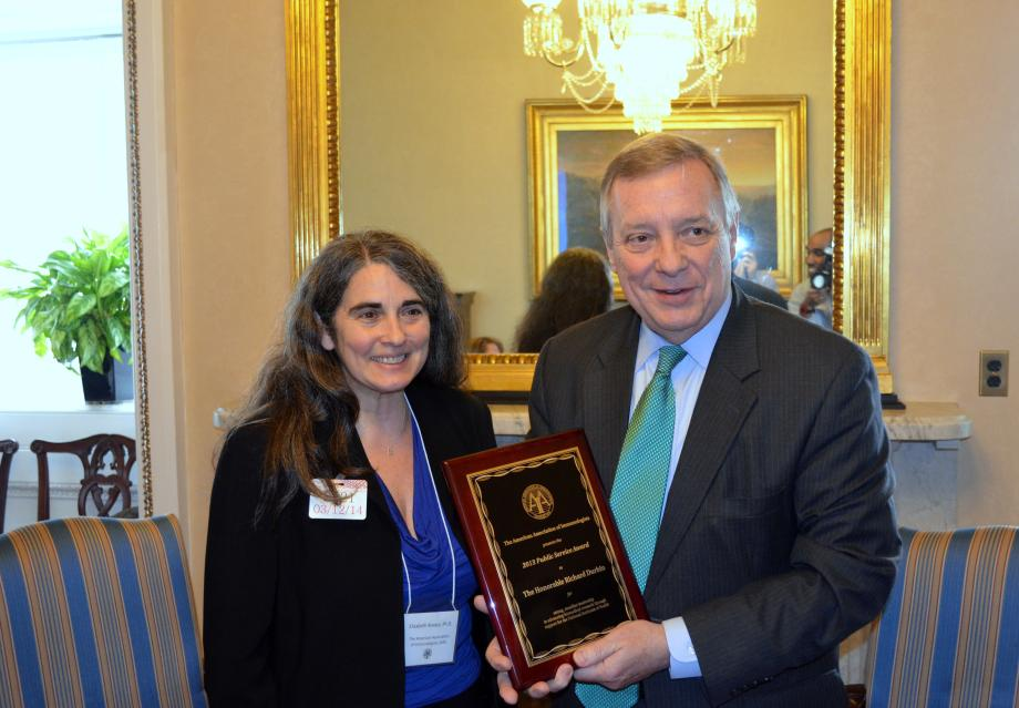 The American Association of Immunologists met with U.S. Senator Dick Durbin today in order to present Durbin with the AAI public Service Award for his work in support of biomedical research.
