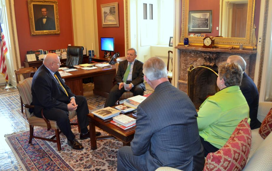 U.S. Senator Dick Durbin (D-IL) met with the Illinois Press Association, which represents over 500 Illinois newspapers. The group discussed media related issues such as the federal shield law.