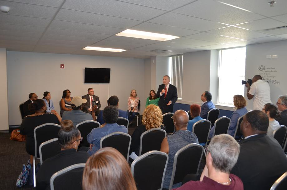 Durbin participating in a community listening session to highlight the Chicago Hospital Engagement, Action, and Leadership (HEAL) Initiative