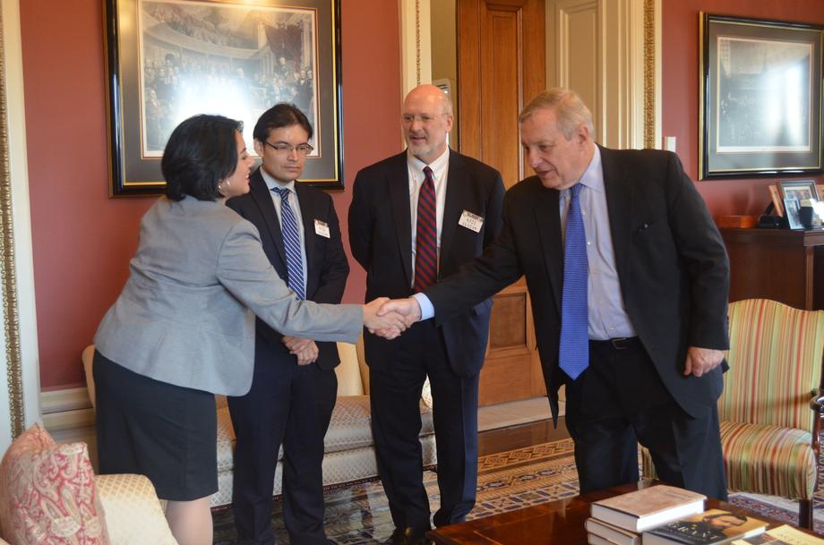 Durbin Meets With Dreamer Students From Loyola Chicago