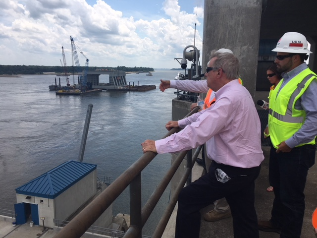 DURBIN VISITS OLMSTED LOCK & DAM PROJECT